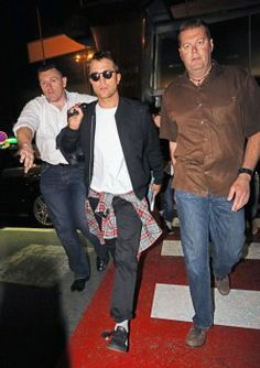 Rob arriving in Nice, France for Cannes, 5-16-14 (32)
