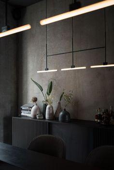 Un beau minimaliste, foncé, béton, ton sur ton. Belle neutralité et modernité