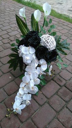 Funeral Flower Arrangements, Funeral Flowers, Floral Arrangements, Casket Flowers, Arte Floral, Flower Bouquet Wedding, Ikebana, Fresh Flowers, Flower Decorations