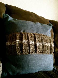 Pleated burlap on pillow tutorial.  Source: Kara Lynn Creative