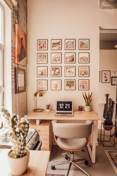 Small Office Space - Bohemian Home Bedroom Study Room Decor, Cute Room Decor, Room Ideas Bedroom, Office In Bedroom Ideas, Bedroom Inspo, Wall Decor, Aesthetic Room Decor, Home Office Decor, Office Art