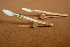 Catapult using plastic spoon, Popsicle sticks, cork, rubber band. Fun Games, Activities For Kids, Crafts For Kids, Games For Tweens, Cub Scout Activities, Vbs Crafts, Indoor Activities, Stem Activities, Party Games