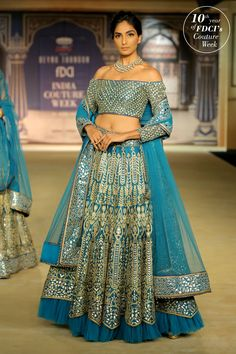 'Tarakanna' is a recent offering of designer Tarun Tahiliani which he presented at India Couture Week I must confess to having a soft corner for Tarun's Indian Bridal Lehenga, Pakistani Bridal Wear, Pakistani Outfits, Indian Outfits, Wedding Lehnga, Wedding Gowns, Anarkali, Lehenga Choli, Sarees