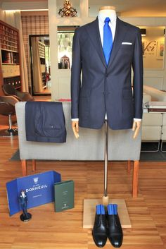 https://www.facebook.com/media/set/?set=a.10152690811144844.1073742264.94355784843&type=1  #fashion #style #menswear #mensfashion #mtm #madetomeasure #buczynski #buczynskitailoring #dormeuil  #jacket #tailoring