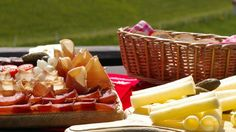 Produtos típicos da cozinha    http://www.myswitzerland.com/pt/produtos-tipicos-da-cozinha.html