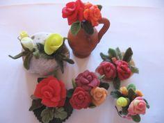 Vasetti con le rose