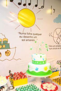 """""""Numa folha qualquer eu desenho um sol amarelo """" Birthday Cake, Party, Diy, Desserts, Ideas Aniversario, Toddler Boy Birthday, Music Letters, Parties Kids, Do It Yourself"""