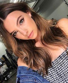 Model- @annelisemadeline