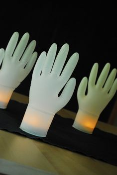 Glowing Hands | Family Chic by Camilla Fabbri ©2009-2014. All rights reserved. The blog