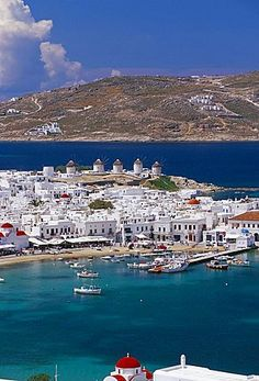 Vista aérea de Mykonos (Hora) y el puerto, Mykonos (Mikonos), islas Cícladas, Grecia, Mediterráneo, Europa