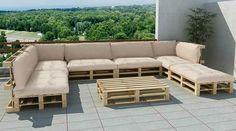 Sitzecke im Freien aus Paletten sehr geschmackvoll gestaltet