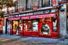 Madrid, Fachada de la Licorería de Mariano Madrueño, en Madrid. Fotografía Artística. de Realzamostusfotos en Etsy https://www.etsy.com/es/listing/274519190/madrid-fachada-de-la-licoreria-de