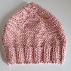 743 meilleures images du tableau Bonnet   Caps hats, Hat crochet et ... 6bbaf1ffb72