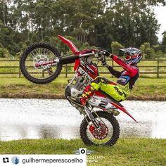 Emistar Racing - Pratique seu estilo! Off Road, Motorcycle, Lei, Show, Vehicles, Bud, Custom Products, Bunny, Pilots