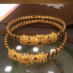 Gold Bangles Design, Gold Jewellery Design, Gold Jewelry, Gold Bangle Bracelet, Silver Bracelets, Simple Jewelry, Wedding Jewelry, Antique Jewelry, Jewels