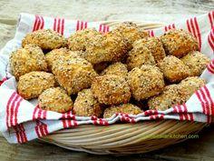Sicilian Reginelle biscuits with sesame seeds | mylittleitaliankitchen.com