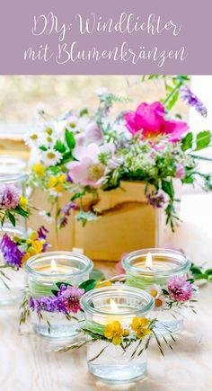 DIY: Anleitung für Windlichter mit Blumenkränzen, Partydekoration, Sommerparty, Gartenparty, Blumendekoration | Alles und Anderes