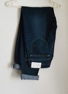 Kup mój przedmiot na #vintedpl http://www.vinted.pl/damska-odziez/dzinsy/8632474-lee-klasyczne-ciemne-dzinsy-jeansy-rurki-spodnie-m-38