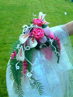 Fantasy Balloon Flowers....yes...they are hand made flowers from balloons!