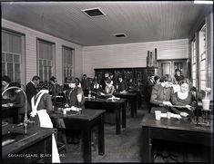 Science Class at Blackfriars Training College, Australia 1911 History Teachers, South Wales, Colleges, Libraries, Museums, Schools, Old School, Galleries, Sydney