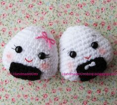 FREE Onigiri Couple Amigurumi Crochet pattern by HandmadeKitty Free Pattern: http://handmadekittyblog.blogspot.com/2010/04/onigiri-couple-amigurumi-crochet.html May 2013 #TheCrochetLounge #Sushi Pick