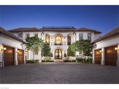 1672 Galleon Dr, Naples, FL 34102 | Gorgeous white Tuscan home in Port Royal.