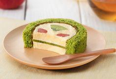 セロリに、ほうれん草!? 野菜とフルーツを使った「グリーンスムージーのロールケーキ」