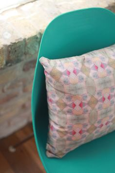 bunglo / sfgirlbybay      Bunglo is the growing Austin-based textile design studio focused on creating eclectic hand-painted fabrics responsible for these gorgeous handmade home goods and this new line of luxury pillows, called rishikesh.