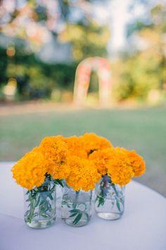 Wedding Decorations Indian Day Ideas For 2019 - Fun Wedding Indian Wedding Decorations, Flower Decorations, Marigold Wedding, Purple Wedding, Indian Wedding Flowers, Dream Wedding, Wedding Shit, Indian Weddings, Wedding Bells
