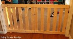 How to Build a 10 Minute Baby/Pet Gate Diy Dog Gate, Diy Gate, Barn Door Baby Gate, Diy Baby Gate, Baby Gates, Diy Fence, Barn Doors, Painted Furniture, Diy Furniture