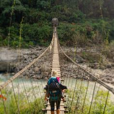 Never give up. #bottinesetbikini #nepal #annapurna #annapurnacircuit #trekking #trek #trekkingnepal #newbridge #travelmore #travelgram #traveller #travel #bridge #goals by aruelmanseau