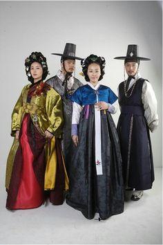 Traditional hanbok in #KDrama #Korean #CostumeDrama