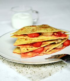 Peanut butter, strawberry and banana tortillas