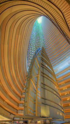 This is so beautiful // The atrium of the Atlanta Marriott Marquis