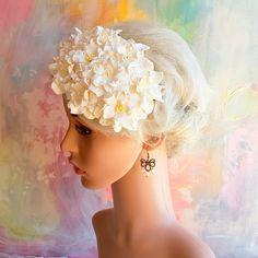 Hårpynt til bryllup - Headpiece med hvide gardenia blomster i stil med Kronprinsesse Mary