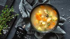 Polévky   Recepty na krémové polévky či recepty na silný vývar Lunch Recipes, Soup Recipes, Chicken Bone Broth Recipe, Fertility Foods, Fish Soup, Nutrition, Stuffed Peppers, Cooking, Ethnic Recipes