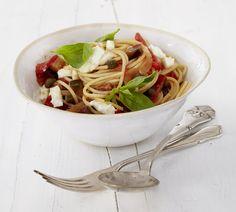 Caponata-Mozzarella-Spaghetti Rezept - ESSEN & TRINKEN