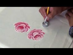 Mohnblüte malen lernen Poppies acrylic painting demo part 1 One Stroke Painting, Tole Painting, Fabric Painting, Painting On Wood, Painting & Drawing, Acrylic Painting Techniques, Painting Videos, Painting Tips, Rose Video