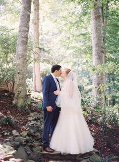 Becca & Sam - North Carolina Wedding http://caratsandcake.com/BeccaandSam