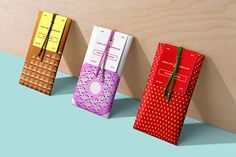 10 Best Chocolate Packaging Designs 2017 The year is about to end which means the time has come to round things up. I selected the 10 Best Chocolate Packaging Designs Chocolate Stores, Chocolate Brands, Best Chocolate, Chocolate Designs, Food Packaging Design, Packaging Design Inspiration, Branding Design, Label Design, Typography Inspiration