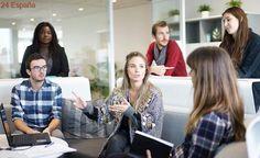 """Siete de cada diez jóvenes españoles ven probable tener que trabajar en """"lo que sea"""""""