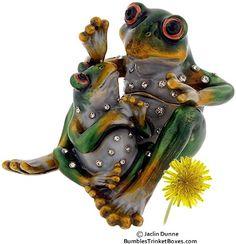 Trinket Box: Detachable Frog With Baby 3Trinket Box