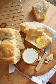 Baking my mosbolletjies began as a thought, something on my bucket list and turned out to be a highlight in my kitchen. I love baking! Easy Cooking, Cooking Recipes, Ice Cream Tubs, South African Recipes, Loaf Recipes, Pan Bread, The Fresh, Allrecipes, Camembert Cheese