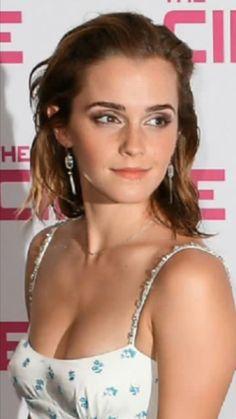Webcam naked girl masterbates