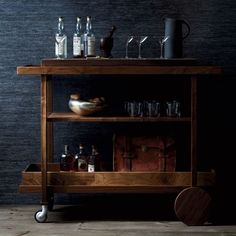 Mens Home Style: Vintage decor ideas for men. From bar carts to vintage display tools (image by The New Traditionalists).