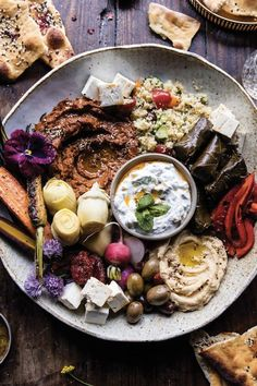 31 Low-Maintenance Dinners to Make for Each Night in May via @PureWow Vegetarian Recipes, Cooking Recipes, Healthy Recipes, Vegetarian Tapas, Vegetarian Platter, Cheap Recipes, Comida Armenia, Meze Platter, Mezze Platter Ideas