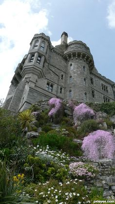 St Michael's Mount castle, Cornwall, England Beautiful Castles, Beautiful Buildings, Beautiful Places, Photography Contests, Photography Gallery, Carl Sagan, Places To Travel, Places To See, St Michael's Mount