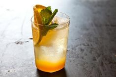 Orange Ginger Mint Sodas recipe on Vodka Drinks, Non Alcoholic Drinks, Cocktail Drinks, Fun Drinks, Healthy Drinks, Cocktail Recipes, Drink Recipes, Healthy Soda, Mixed Drinks