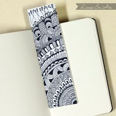Here are some easy handmade DIY bookmarks with Mandala artwork that promotes inner healing. Mandala Doodle, Mandala Art Lesson, Mandala Artwork, Zen Doodle, Doodle Art Drawing, Cool Art Drawings, Zentangle Drawings, Mandala Drawing, Watercolor Mandala