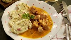 Smetanový krůtí guláš Foto: Slovak Recipes, Meal Deal, Thai Red Curry, Food And Drink, Meals, Chicken, Ethnic Recipes, Meal, Yemek
